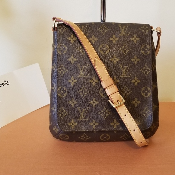Louis Vuitton Handbags - LV musette salsa authentic